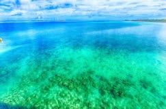 鲜绿色海,冲绳岛 免版税库存图片