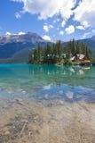 鲜绿色湖,幽鹤国家公园, BC 库存图片