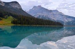 鲜绿色湖, BC,加拿大 免版税库存图片