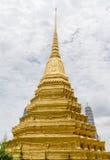 鲜绿色菩萨的寺庙在曼谷,泰国 库存照片