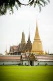 鲜绿色菩萨的寺庙 免版税图库摄影