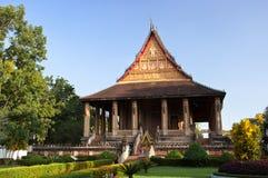 鲜绿色菩萨老挝的寺庙 免版税图库摄影