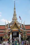 鲜绿色菩萨(曼谷玉佛寺)的寺庙,泰国 图库摄影