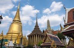 鲜绿色菩萨(曼谷玉佛寺)的寺庙,泰国 库存图片