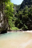 鲜绿色洞盐水湖 酸值mook 泰国 免版税库存图片