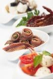 鲥鱼开胃菜作为服务的卷 库存照片