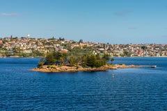 鲨鱼海岛在悉尼港口新南威尔斯NSW澳大利亚 免版税图库摄影