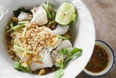 鲭鱼面条中国人细面条 免版税库存图片