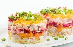 鲱鱼沙拉蔬菜 免版税图库摄影