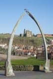 鲸骨曲拱在Whitby,北约克郡 免版税图库摄影