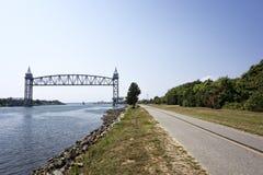 鳕鱼角运河铁路桥梁 免版税库存照片