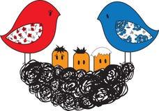 鸟和巢与小鸡 免版税库存照片