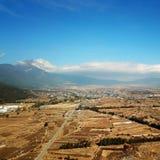鸟景色玉龙雪山在冬天 库存照片