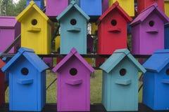 鸟的3许多五颜六色的房子 免版税库存照片