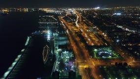鸟瞰图中心城市费城&周边地区在晚上 股票录像