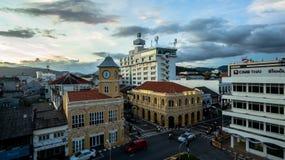 鸟瞰图交叉点在普吉岛镇 免版税库存图片