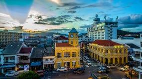 鸟瞰图交叉点在普吉岛镇 免版税库存照片