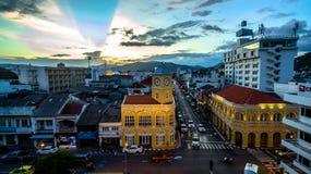 鸟瞰图交叉点在普吉岛镇 免版税图库摄影