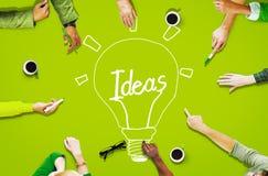 鸟瞰图人运作的公共想法创新概念 免版税库存照片