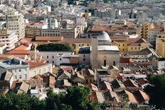 鸟瞰图在卡利亚里帝堡城-撒丁岛的老邻里 图库摄影