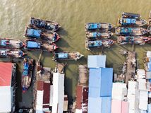 鸟瞰图在渔夫村庄 免版税库存图片