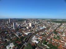 鸟瞰图在Sertaozinho市,圣保罗,巴西 免版税库存照片