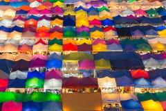 鸟瞰图多个颜色夜市场 库存照片