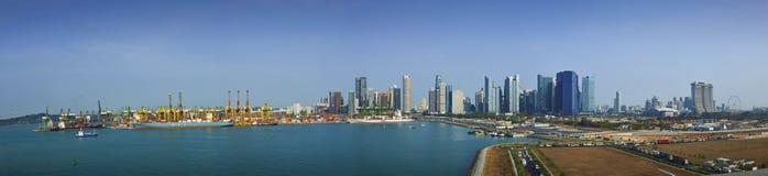 鸟瞰图小游艇船坞海湾和Tangjong Pagar新加坡 免版税图库摄影