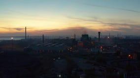鸟瞰图工厂设备在晚上 影视素材