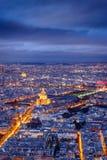 巴黎鸟瞰图微明的与Invalides,法国 库存照片