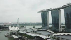 鸟瞰图新加坡小游艇船坞海湾和摩天大楼 股票录像