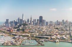 鸟瞰图旧金山地平线和码头39在美丽 库存照片