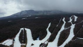 鸟瞰图滑雪操场和Mt 富士山在日本 股票录像
