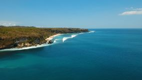 鸟瞰图美丽的海滩,巴厘岛 免版税库存照片