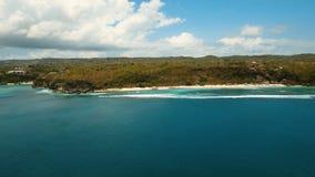 鸟瞰图美丽的海滩,巴厘岛 免版税库存图片