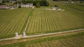 鸟瞰图蒙塔涅圣Emilion,阿基旃,红葡萄酒Wineyard 图库摄影