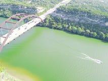 鸟瞰图Pennybacker桥梁或360桥梁在奥斯汀,得克萨斯, U 库存图片