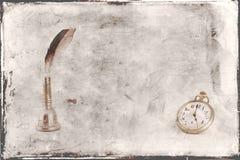 鸟羽毛小包手表葡萄酒背景 免版税库存图片