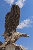 鸟老鹰的石雕象 图库摄影