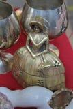 鸟装饰陶瓷艺术花瓶 免版税库存图片