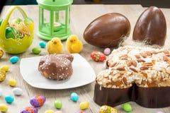 鸠型典型的甜的复活节 免版税库存图片