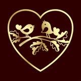 鸠夫妇在橡木的分支在心脏里面 激光切口或阻止的模板 免版税图库摄影