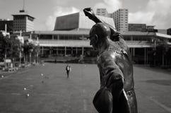 鸠Myer鲁宾逊先生雕象在Aotea广场在新的奥克兰 免版税库存照片