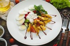 鸡丁沙拉 免版税库存照片