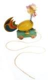 鸡下拉式玩具木头 免版税库存照片