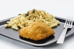 鸡和意大利面食 图库摄影