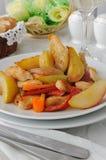 鸡和焦糖的梨沙拉  免版税图库摄影