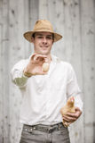 鸡和鸡蛋的矛盾 免版税库存照片