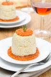 鸡奶油甜点用南瓜,绿色,红辣椒调味汁 免版税库存照片