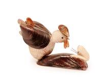 鸡小雕象由壳做成 免版税库存图片